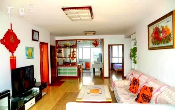 青岛金沙滩海风情公寓海景三居室