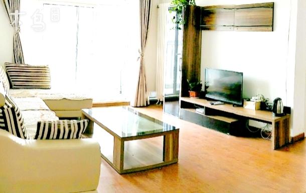 金沙滩银沙滩温馨二居室
