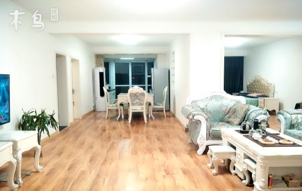 金海滩海水浴场下楼即是两居室