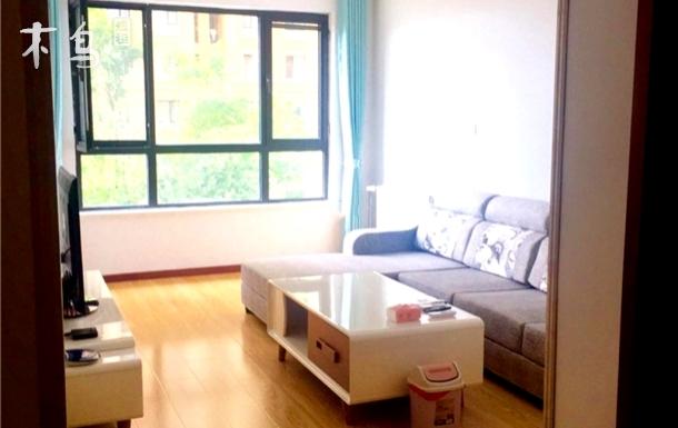 青岛金沙滩日租房温馨公寓,配套齐全。