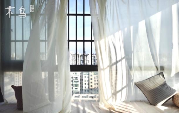 有喵运河旁小河直街林子茶室独卫双飘窗大床