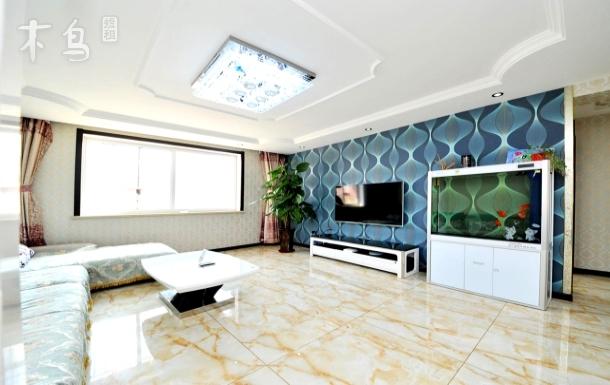 北戴河小魚家庭公寓精裝大三室免費停車