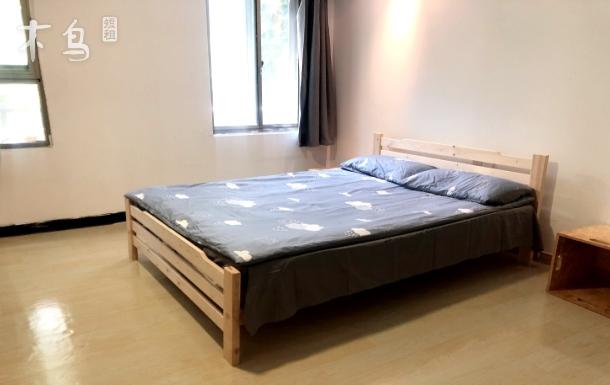 地铁4和12号线宝地广场 舒适温馨大房间家庭房 带独立卫浴