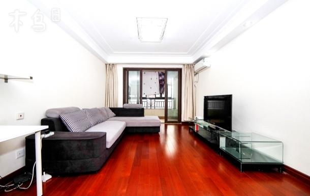 苏州园区金鸡湖边的两房两厅旅游休闲温馨家庭房