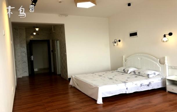 绿地汇创国际,商务公寓1.8米双人床智能马桶