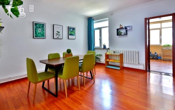 邻近崂山景区仰口沙滩北欧风温馨舒适精装两居室
