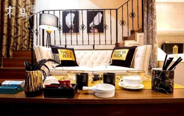 (先咨询后付款)网红近三里屯簋街loft浴缸复式一居公寓