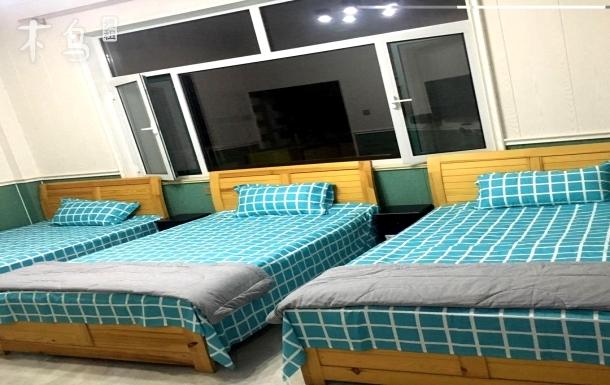 刘庄靠海一居三人间双床房
