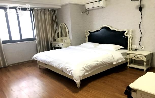 万达广场3D投影大床 一居室