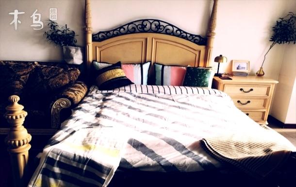 百子湾7号线美式温馨大气阳光充沛高档大床房