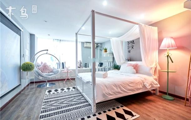 网红Room 1~精装Loft套房(可住六人
