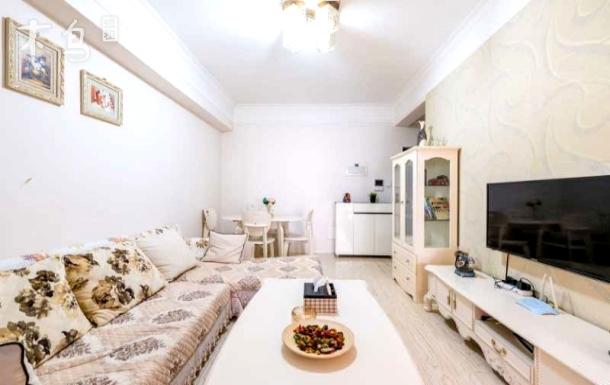 天紫界国际公寓市一环温馨套二
