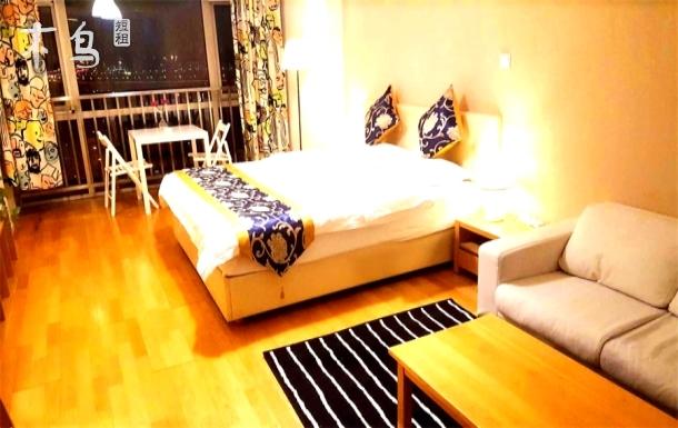 滨海印象商务舒适大床房