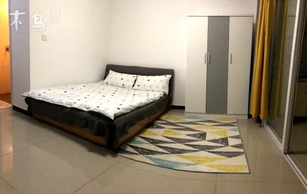 燕大西苑温馨大床房