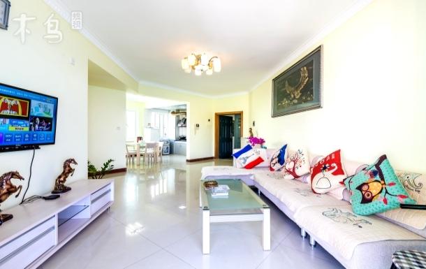 三亚大东海一线海景公寓三房两厅亲子房
