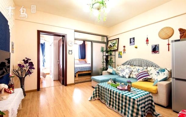 宽窄巷子温馨浪漫小时光公寓