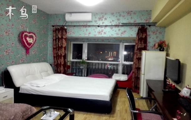 简约大床 舒适温馨 跟家里一样一样的