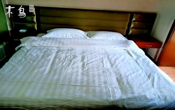 浙商大厦旅游度假整洁舒适大床房