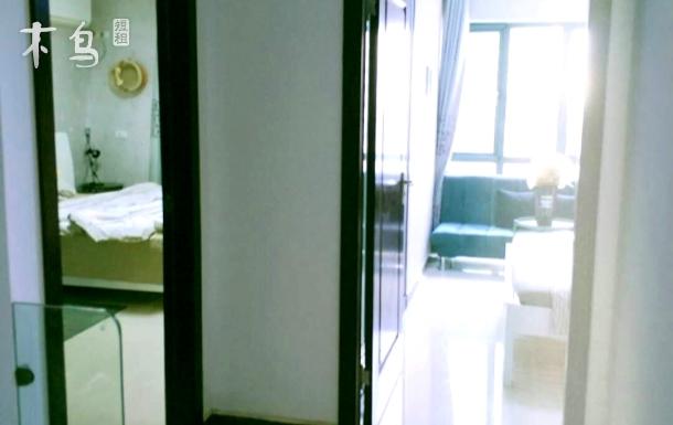 江汉路步行街/地铁口合租两居室