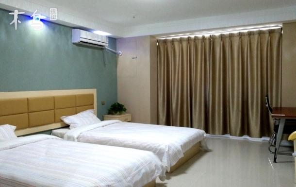 汽车站精装观海公寓简约双床房+韩国风情街