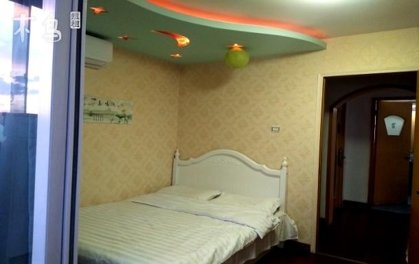 劲松地铁10号线温馨阳光大床房