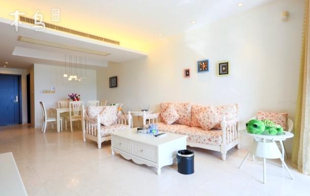 半山半岛三期温馨海景亲子房带婴儿床可做饭两居室