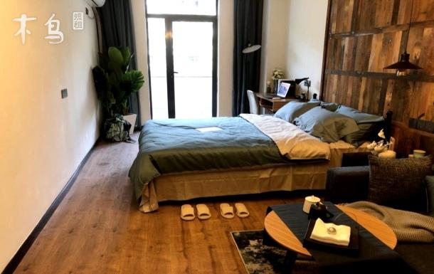 城西银泰城精装舒适大床房