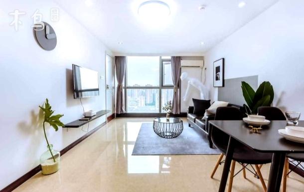 江陵路地铁口,钱塘江畔,低碳科技馆Loft公寓
