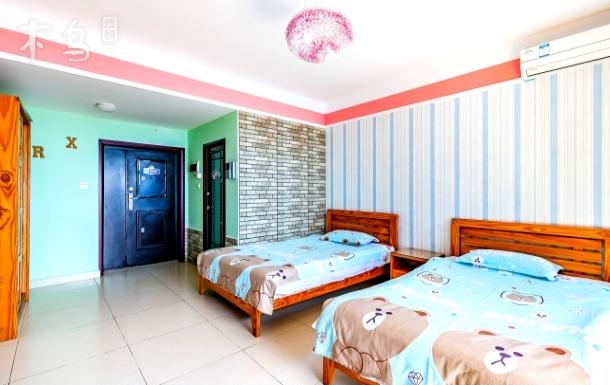 三亚湾距海月广场50米海景双床房