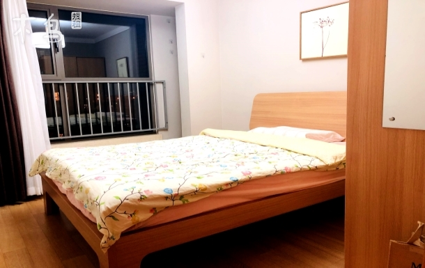 房山线长阳地铁站附近温馨卧室