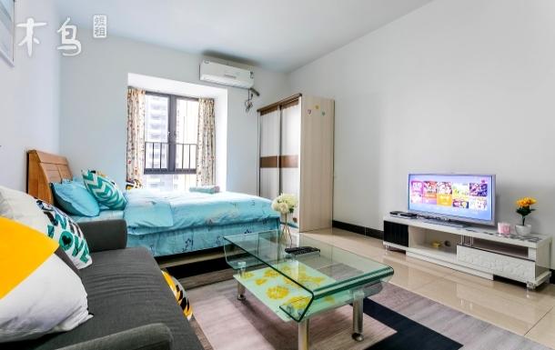 广州东站 地铁1号线 一居室豪华房