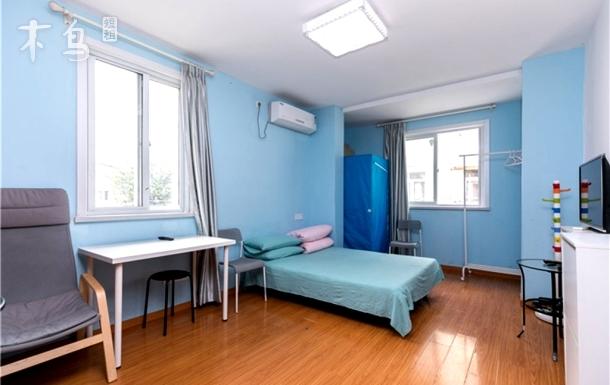 7号 11号旁东安路地铁口复式一居室