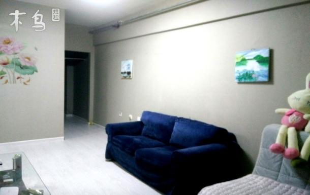 医学院一室一厅大床房『灰色金典』