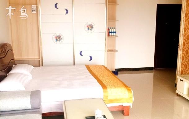 万隆国际豪华一居大床房