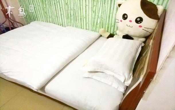 中南民族大学旁温馨大床房