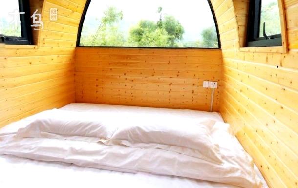 天目大峡谷风景区养生小木屋榻榻米房