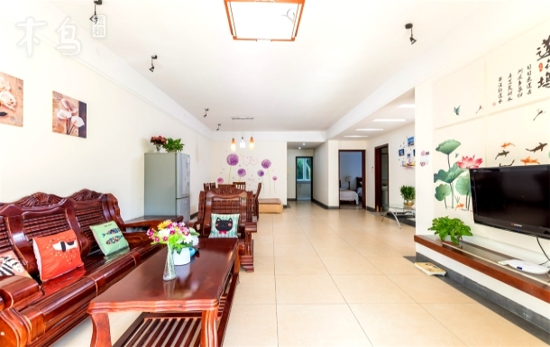 三亚湾临海度假公寓,坐落海边,三室两厅