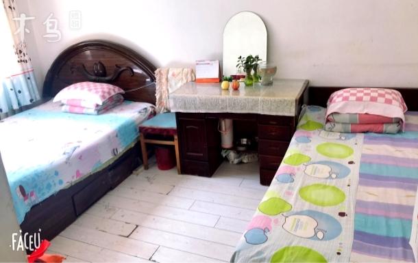 故宫中街附近热情一居室双床房
