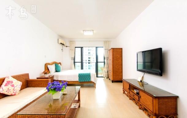 三亚靓海度假公寓大床房
