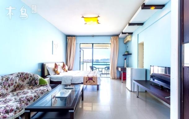 三亚湾巴哥海景公寓高层海景大床房