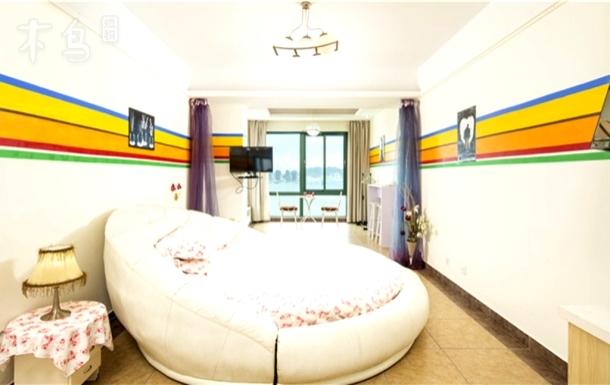 三亚巴哥海景度假公寓蜜月圆床房