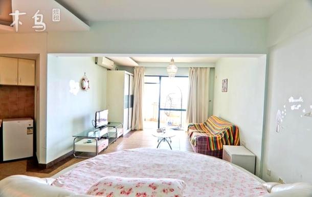 三亚巴哥海景度假公寓海景圆床房
