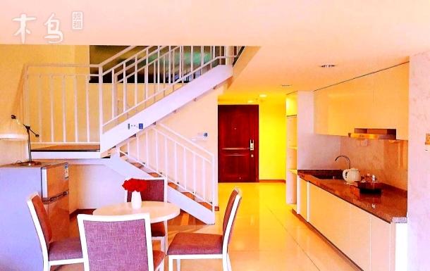 白云机场附近/专车接送/复式浪漫满屋两房一厅Loft