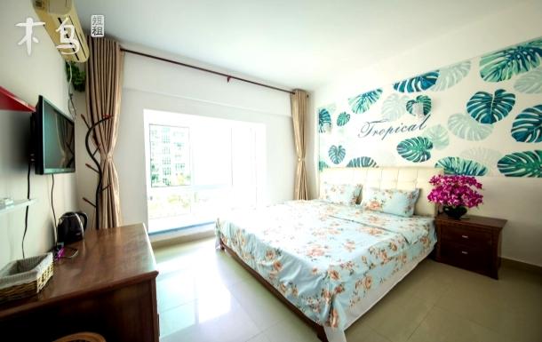 三亚湾路 凤凰岛对面 园景温馨大床房