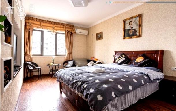 江汉路步行街豪华北欧风情大床房