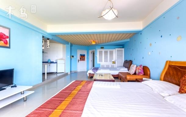 椰梦长廊海景一居室双床母子房