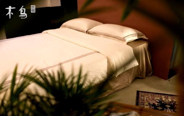 中山路【好奇心博物馆】 温馨大床房