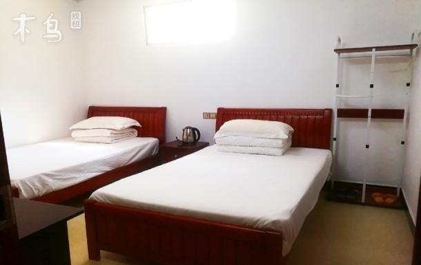 近银滩万达广场亲爱的客舍双床温馨房