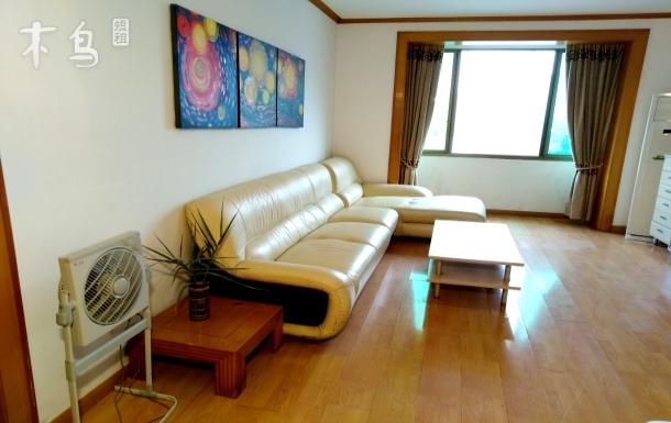 在千岛湖中心,欣赏千岛湖湖光山色的度假房三居室