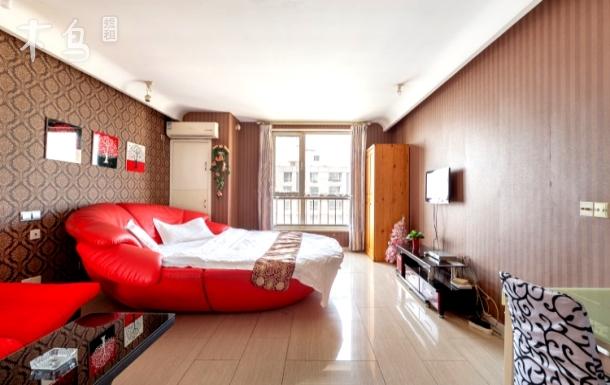 沈阳中街大悦城——热情红色大圆床房
